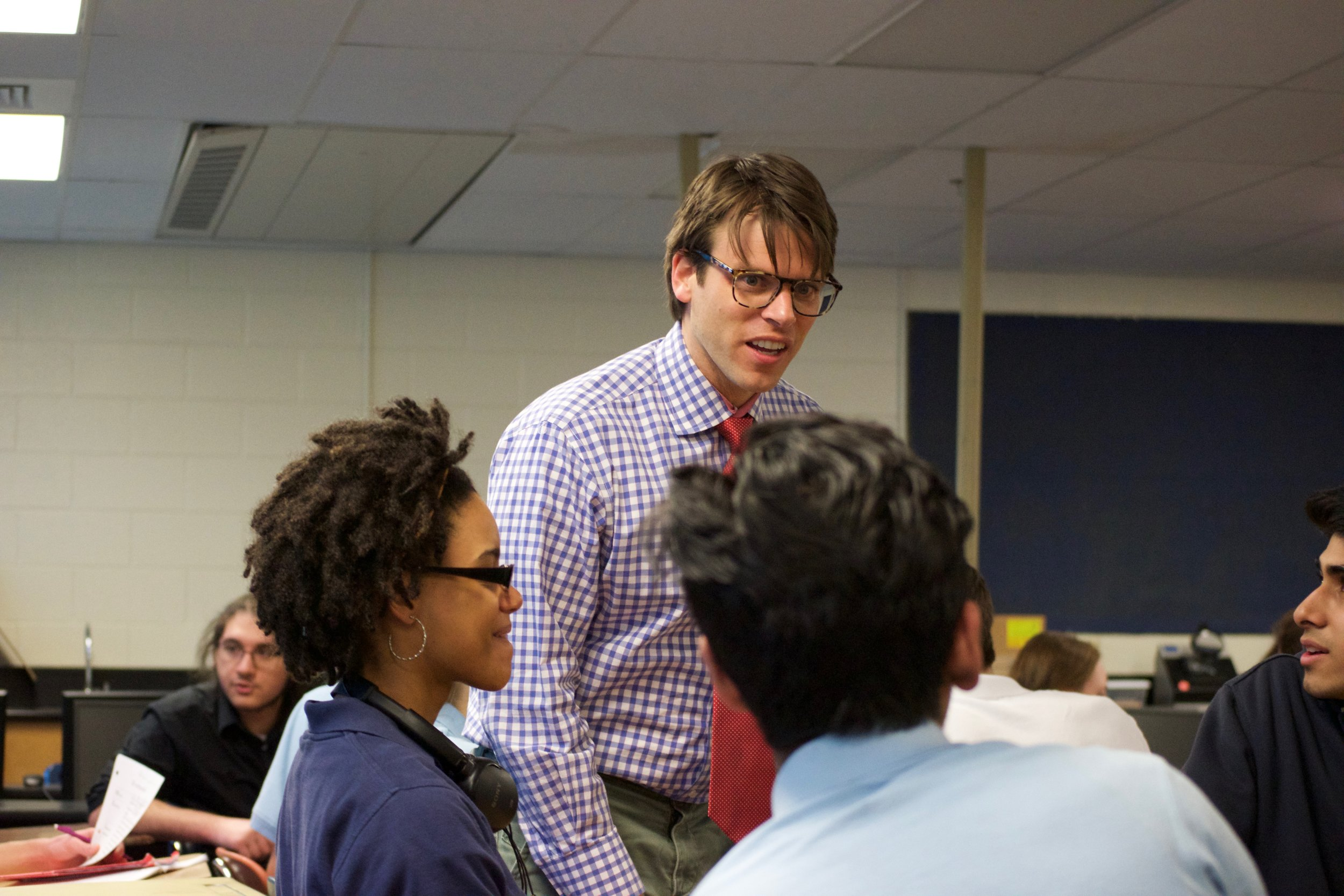 Senor Greenberg isextremely active in the classroom and moves around to interact with different students. His classes involve speaking with peers, viewing authentic Spanish resources, and expanding one's world view. Photo by Connor Carp.