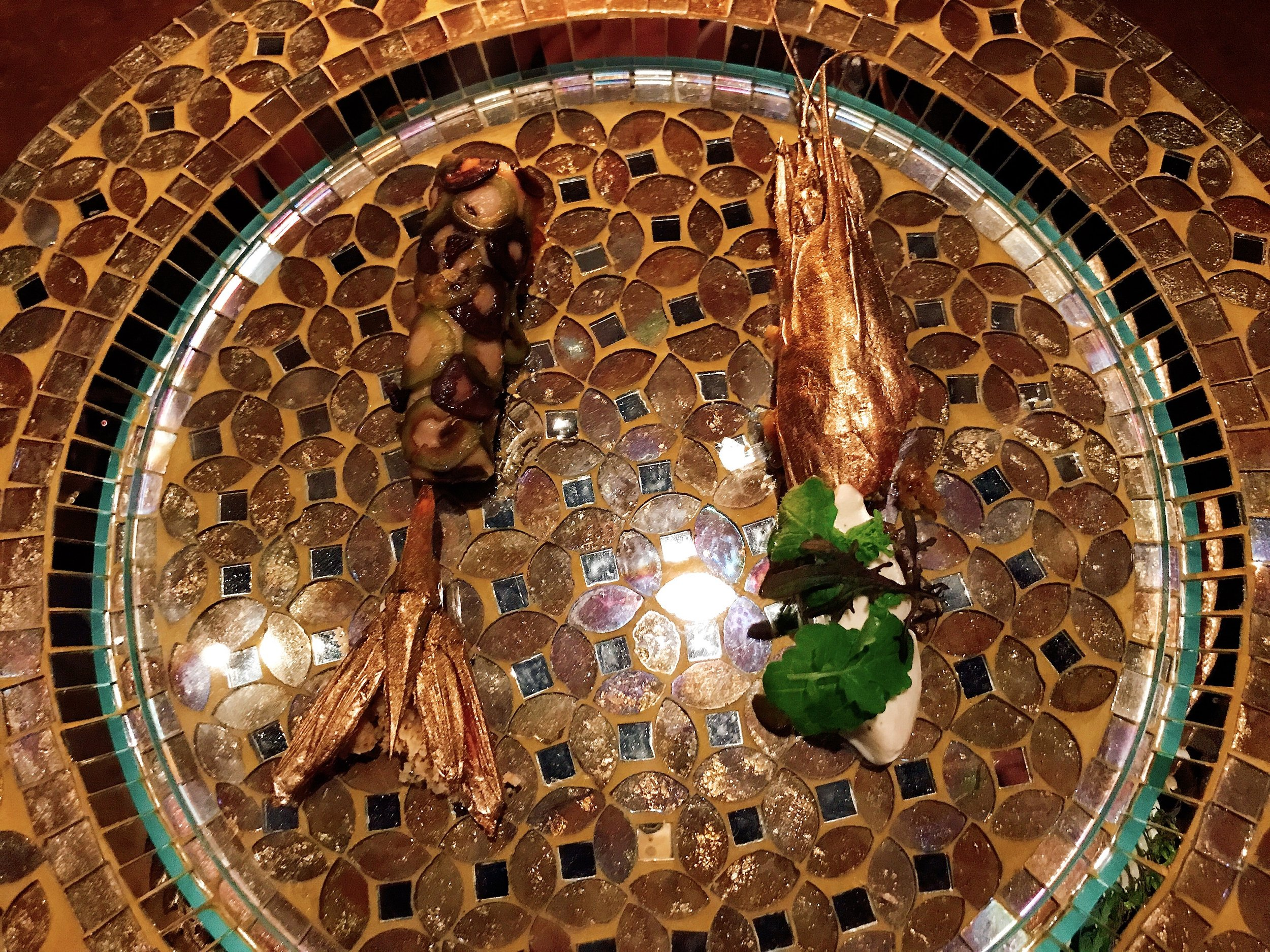 Isicia De Scillis Vel De cammaris Amplis (39): Shrimp, Olives and Walnut