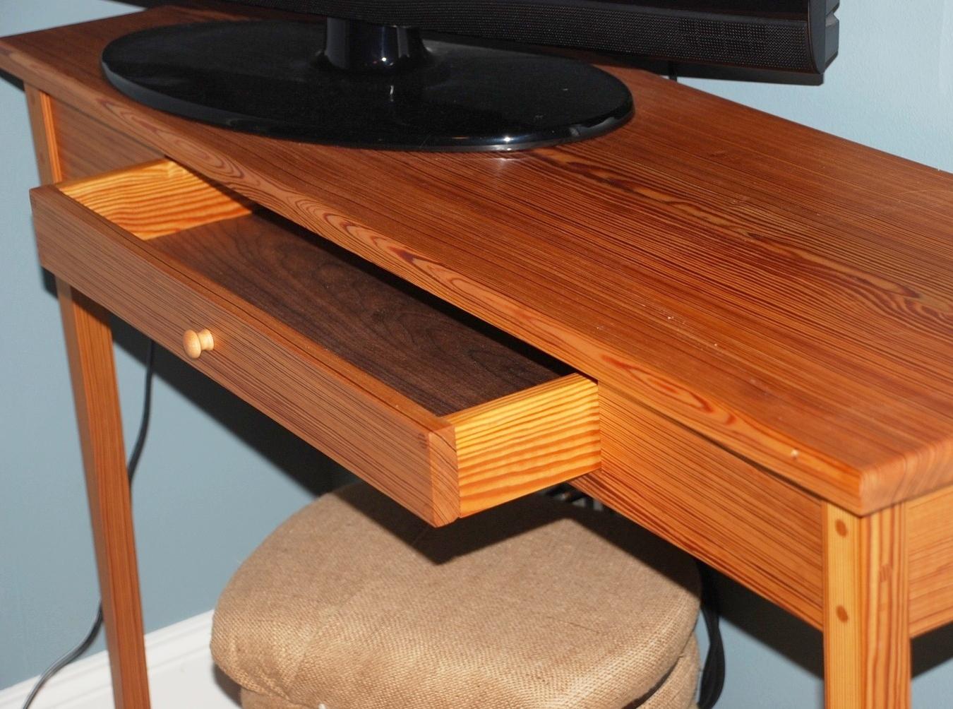 Pine Desk w Drawer.jpg