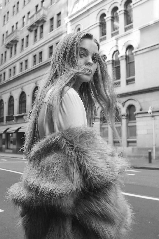 aje-insider-kitty-hayes-priscillas-british-model-fuax-fur-street-style-14.jpg