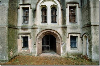 The Old City Jail, Charleston, South Carolina Photo Source:http://daronlarson.blogspot.com/