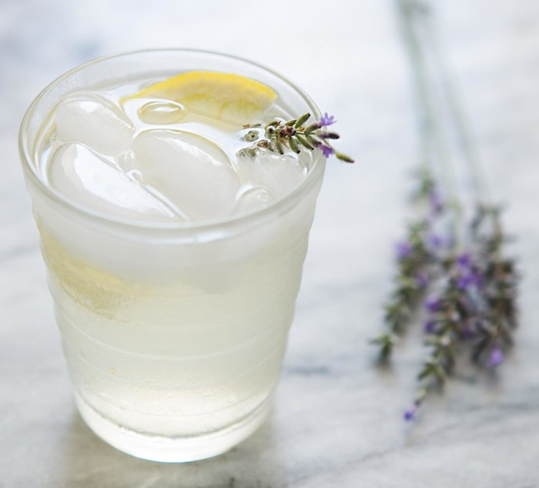 lavender-lemonade-vertical-a-1600-e1472844665370.jpg