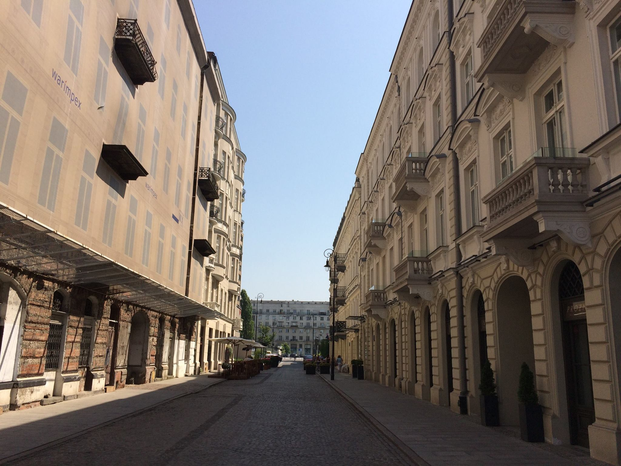 Próźna Street, looking the other direction