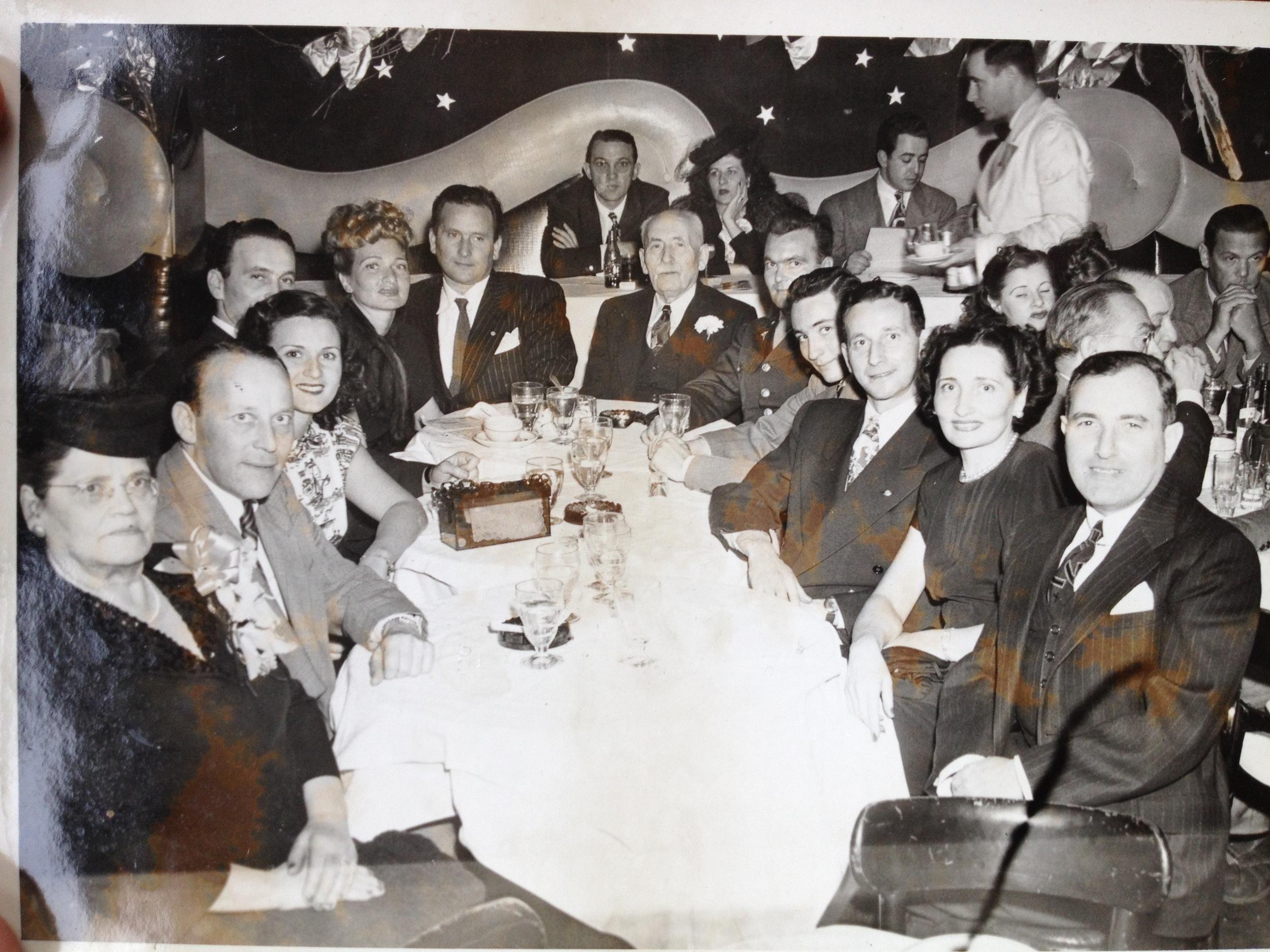 Leah, Mannie, Shirley, Stanley, Rose Black, Irving, Morris, Si, Bill Klausner, Oscar, Mickey and David Klausner