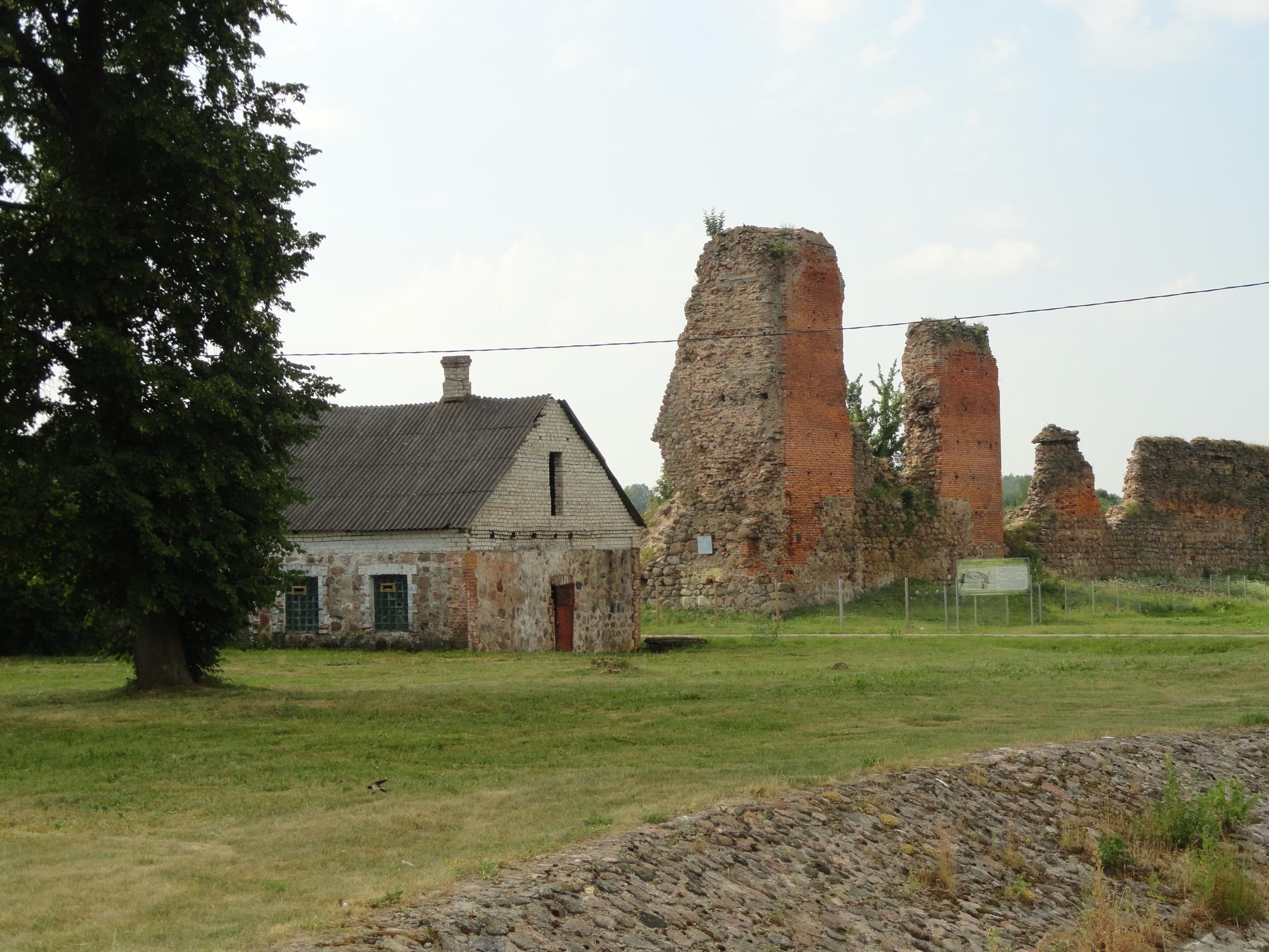 Mikveh with ruins of Kreva Castle.
