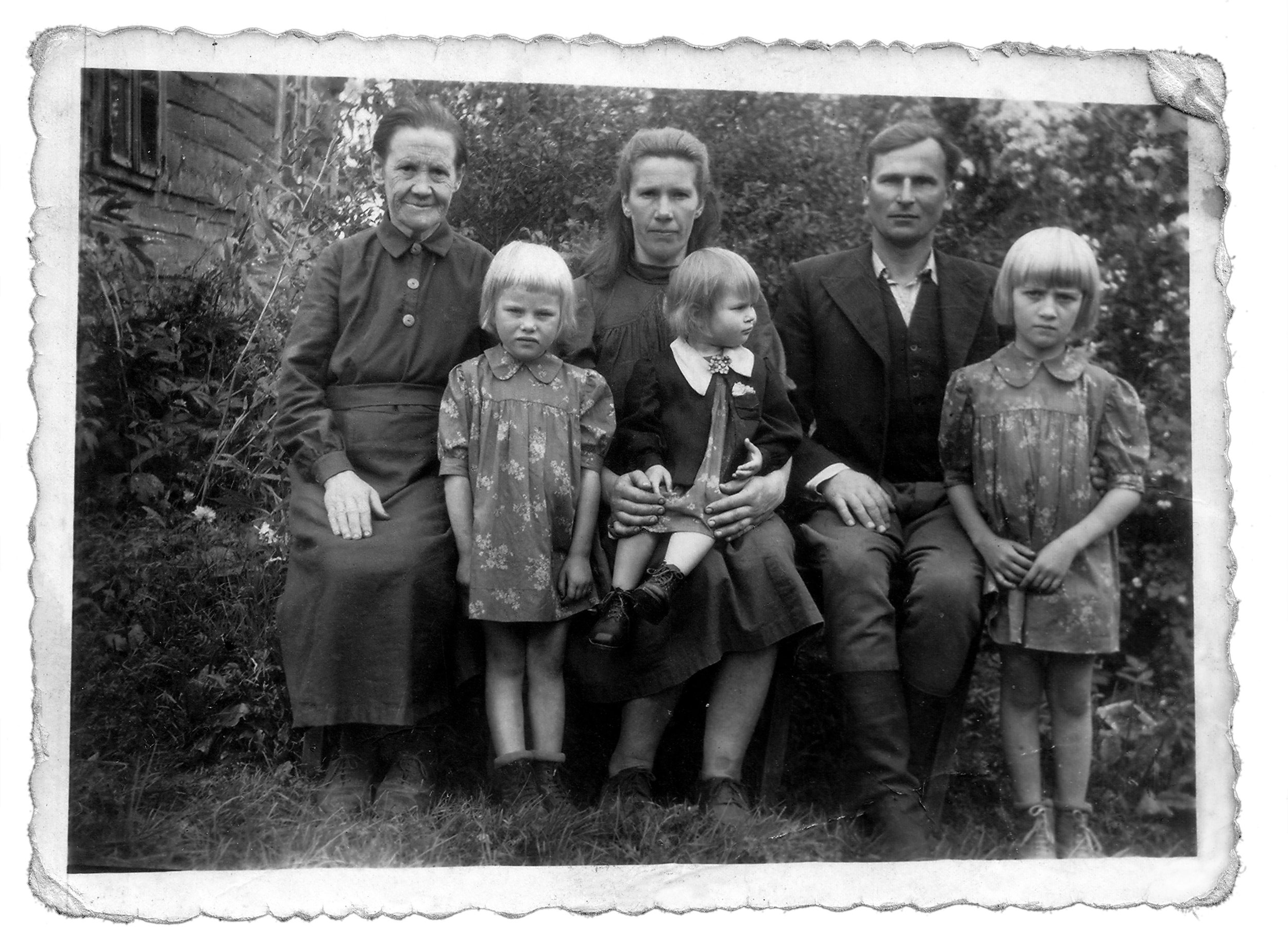 Rozalija Kairienė, far left, great great grandmother of Egidijus Gaidauskas. She was orphaned at age 6 and although Catholic, she was cared for by a Jewish family for several years.
