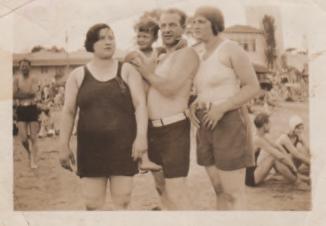 Fannie, Joe and Robert Bimblick at Rye Beach, 1929