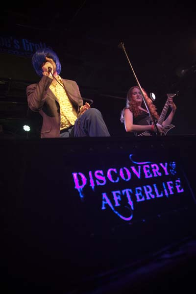 Jon and Jayne perform live with Discovery of an Afterlife May 25, 2019
