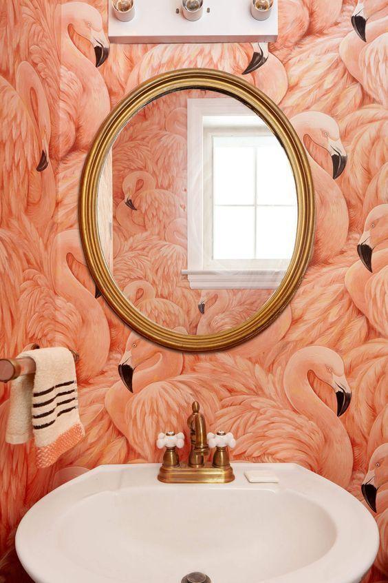 Denne flamingotapeten finner du  her
