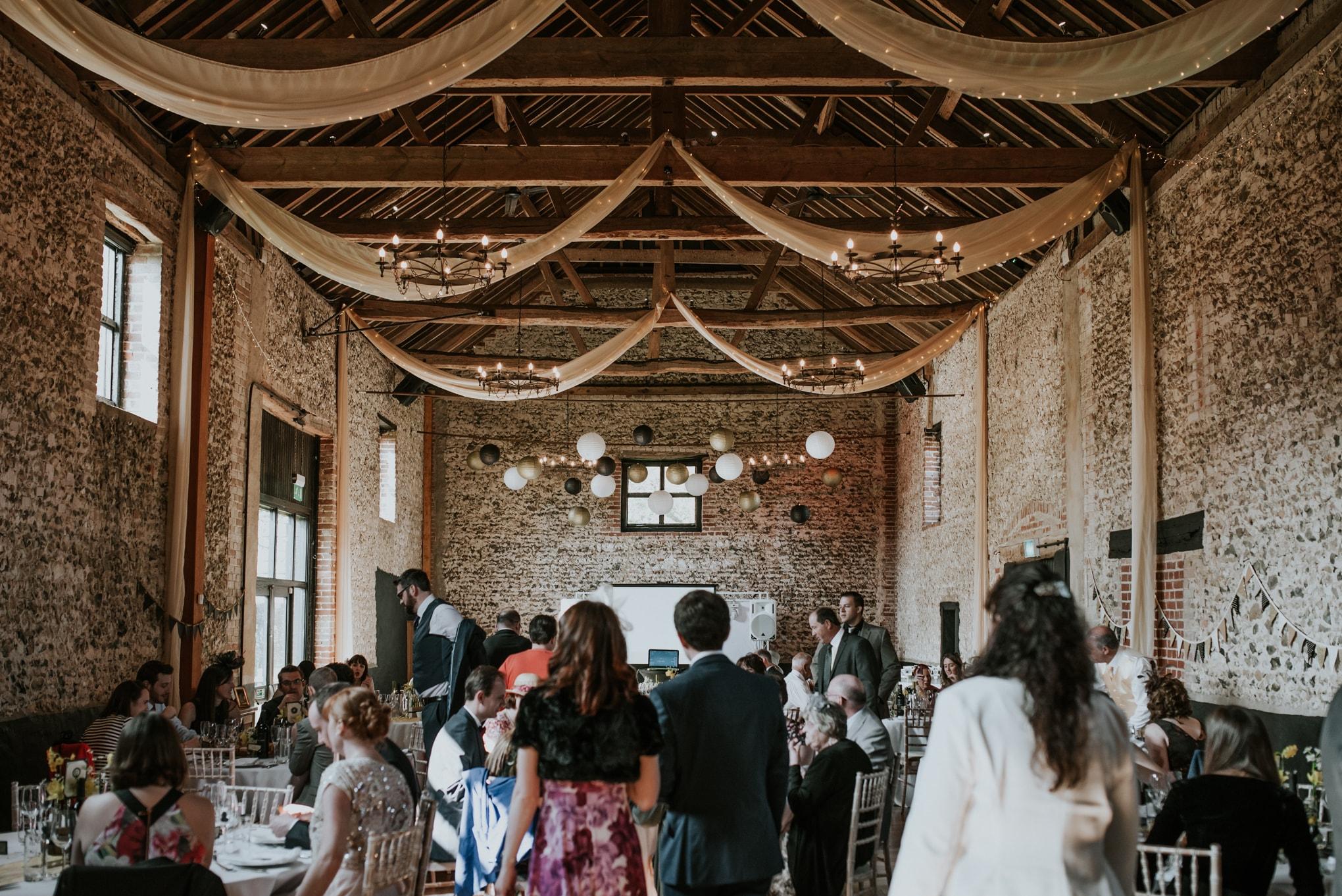 WeddingMatt&KarenLoResInternet448-min.jpg