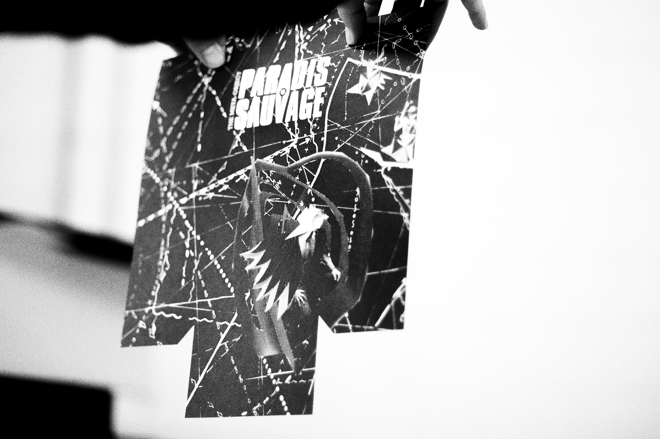 Zugeschnittenes Deckblatt.