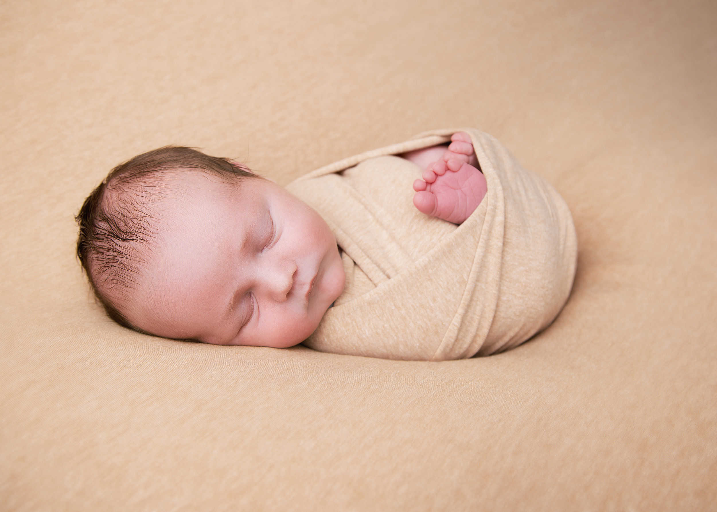 Newborn - Expecting a new addition to your family or do you know someone who is? Book a newborn session with us and keep your baby small forever.