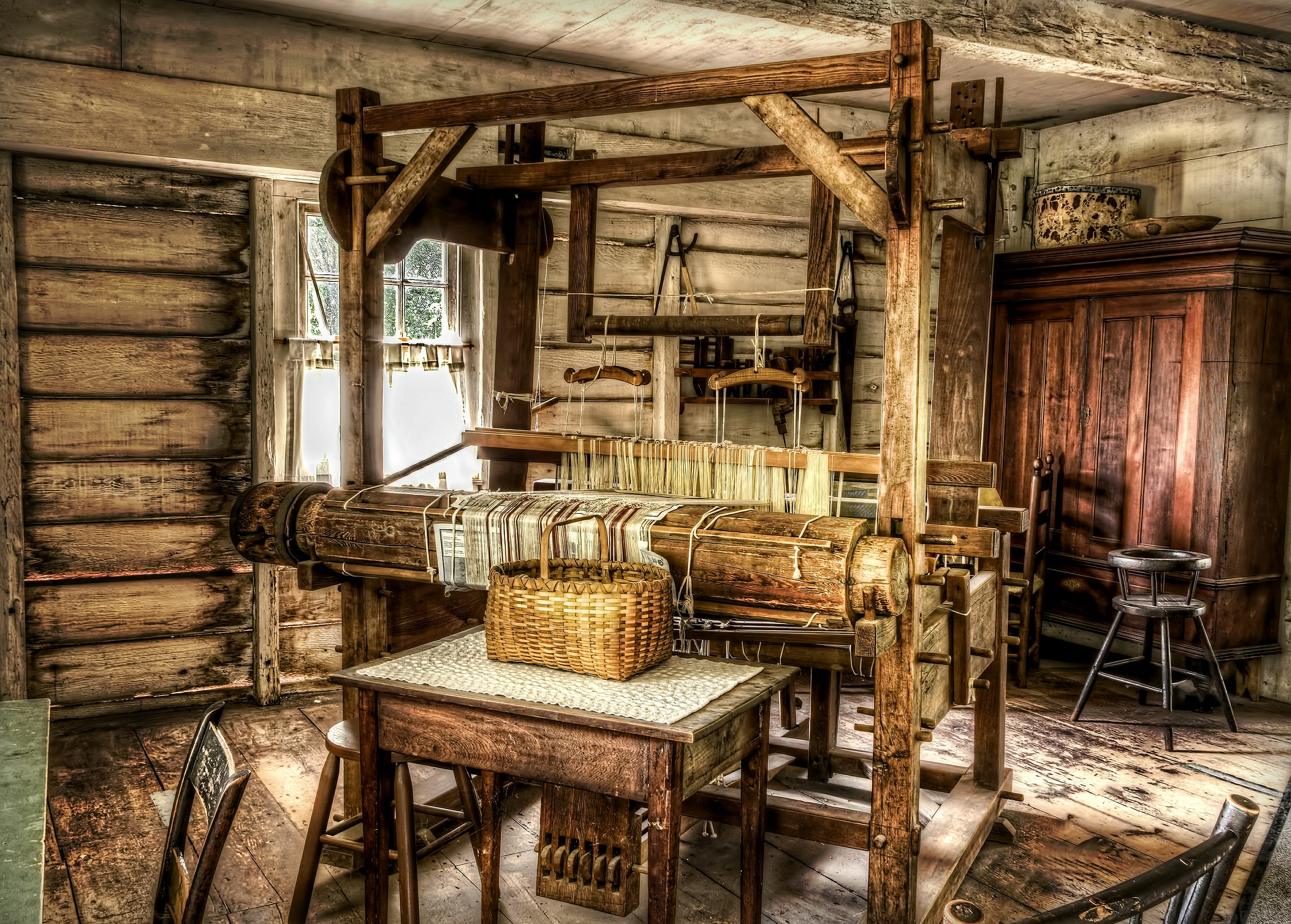 loom-581071_1920 (1).jpg