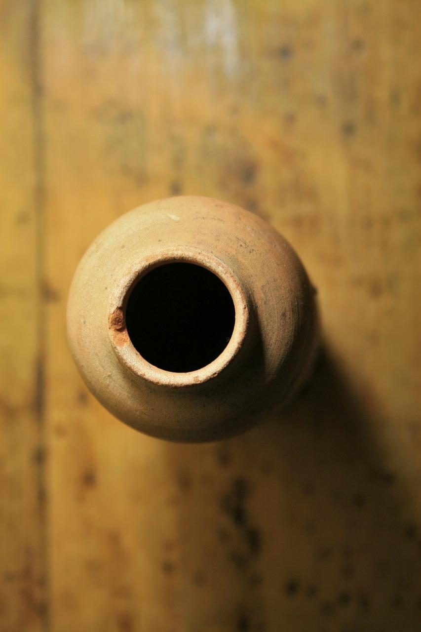 vase-316123_1280.jpg