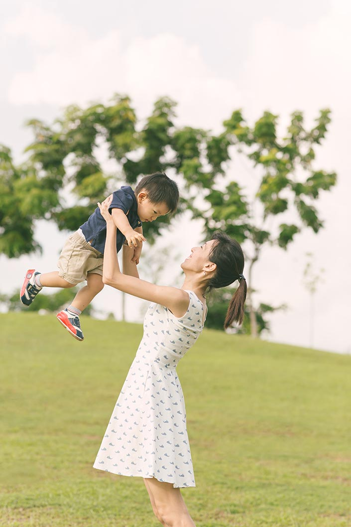 Outdoor_Family_Photoshoot_at_Punggol_Waterway_020.jpg
