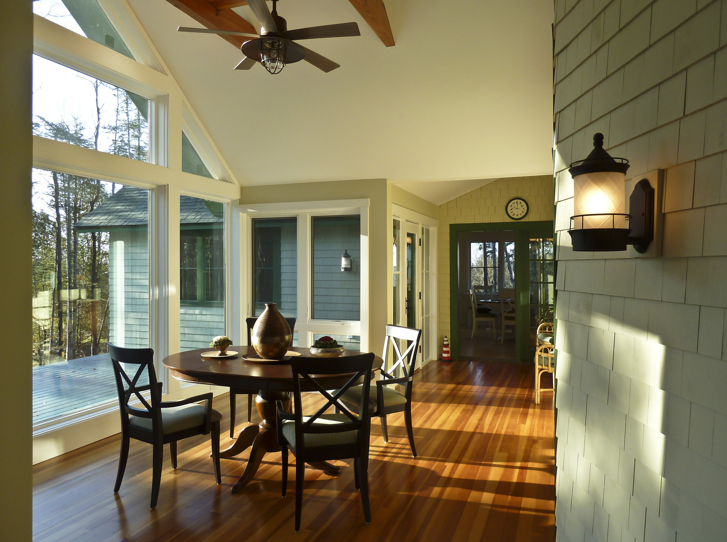 Family Retreat Sun Room by HDS Architecture