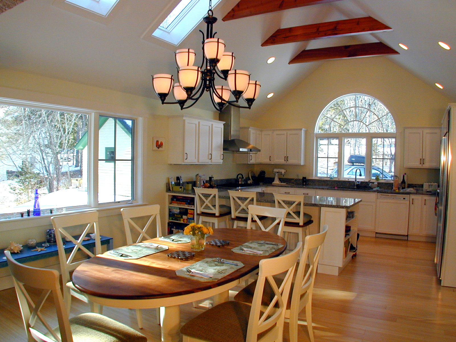 Family-Retreat-Dining-Room-2-HDS-Architecture.jpg