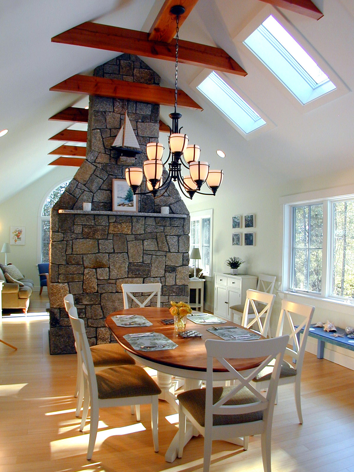 Family-Retreat-Dining-Room-HDS-Architecture.jpg