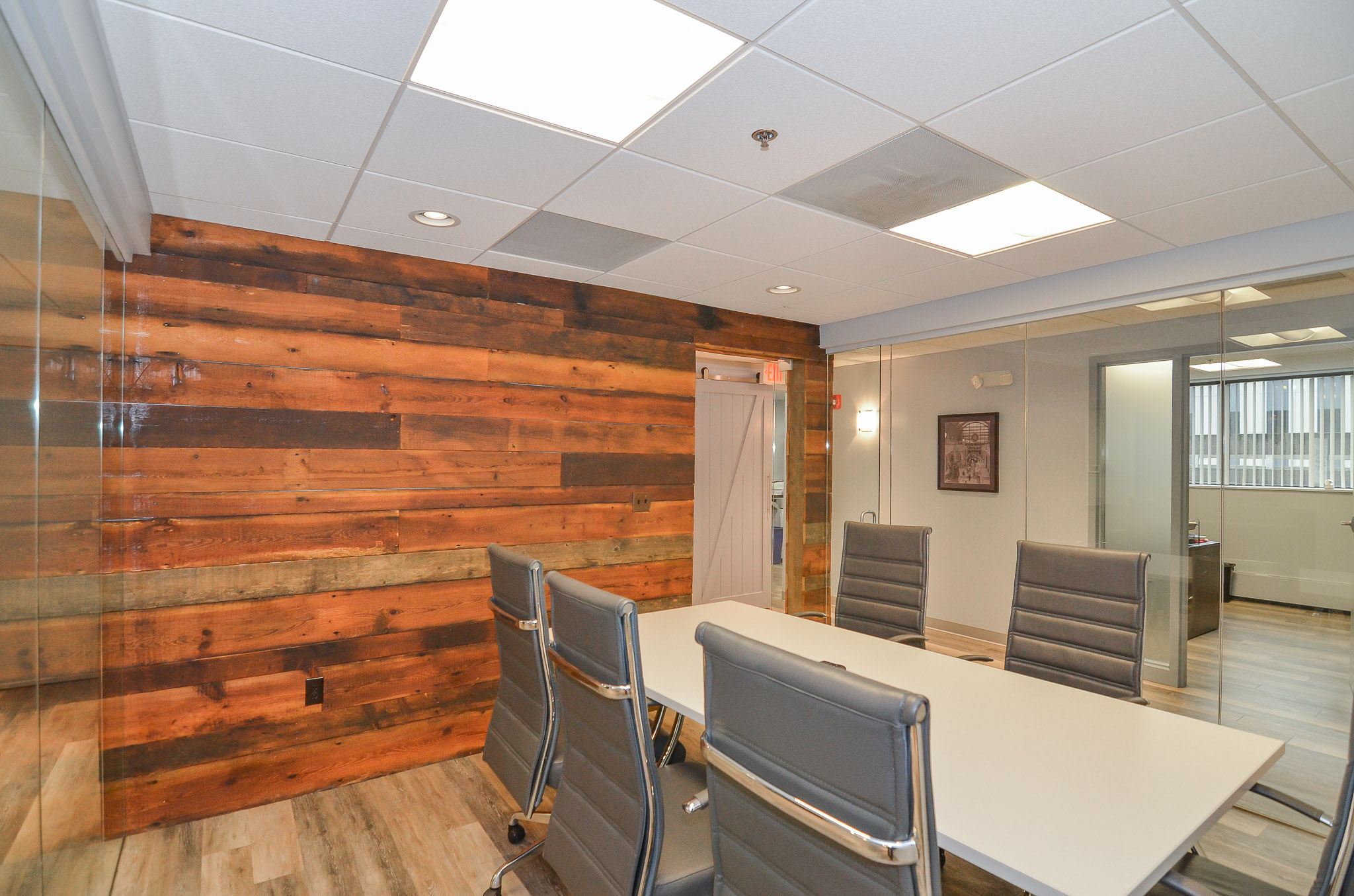 Newton-Wellesley-Primary-Care-Conference-Room-2-HDS-Architecture.jpg