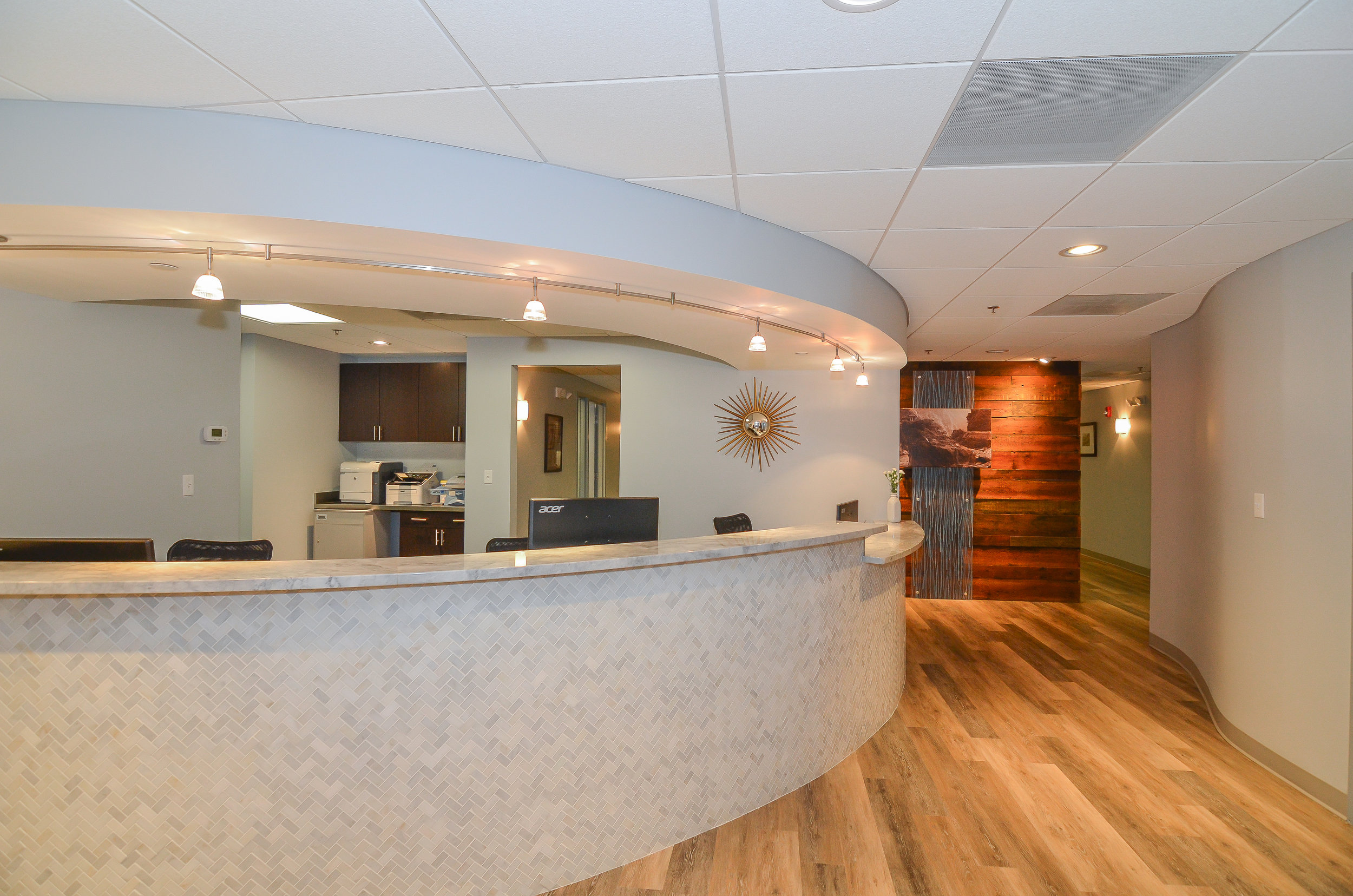 Newton-Wellesley-Primary-Care-Reception-HDS-Architecture.jpg