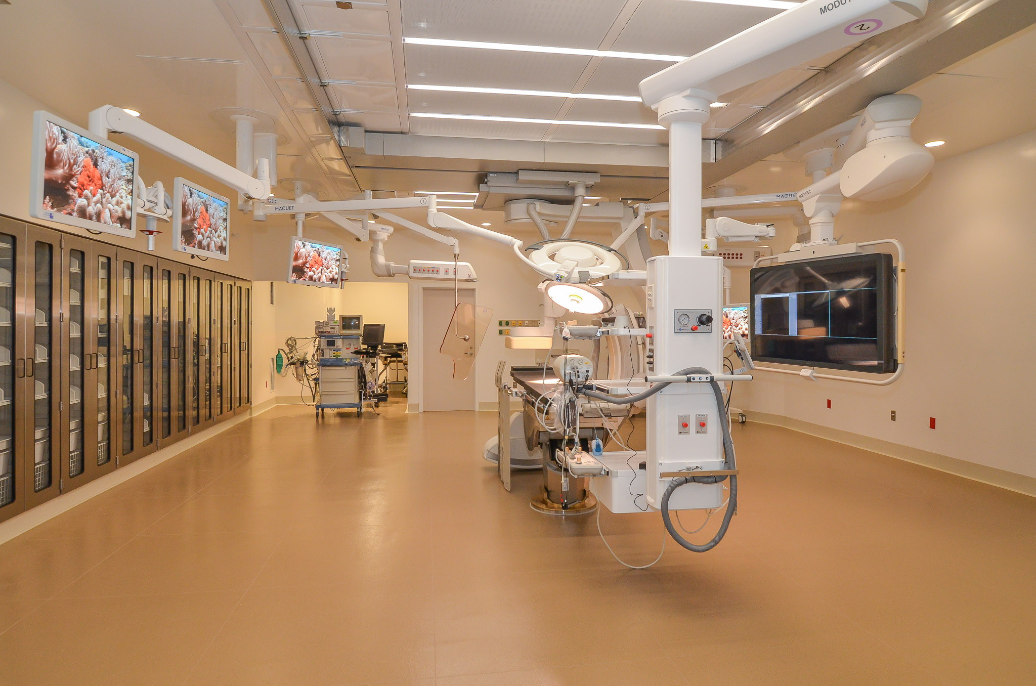 Hybrid-Operating-Room-South-View-HDS-Architecture.jpg