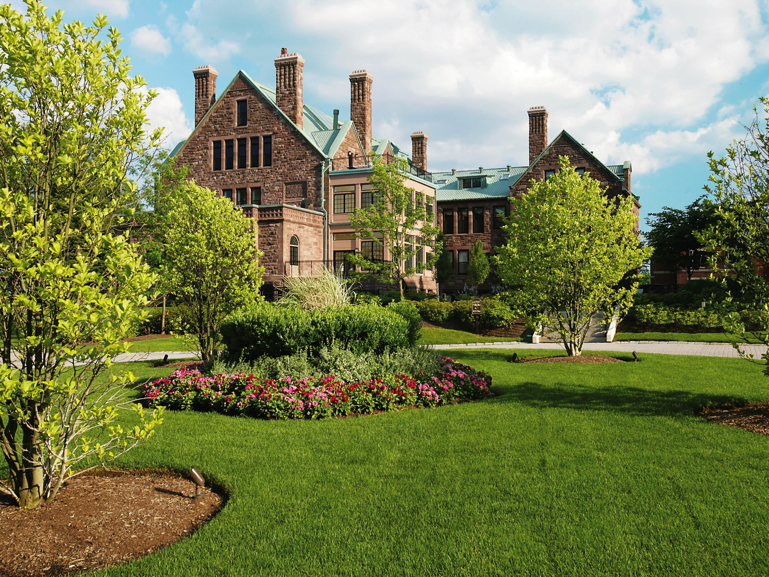 Longyear-Manor-Grounds-HDS-Architecture.JPG