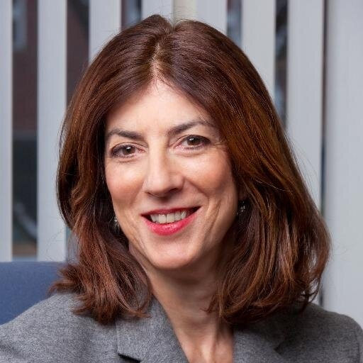ALEXIS GELBER  is an award-winning editor and journalist with experience in digital and print media. A longtime top editor at Newsweek, and founding Books Editor of The Daily Beast.   Read Full Bio here .  View her work here . Mentorship Beat: Editing.