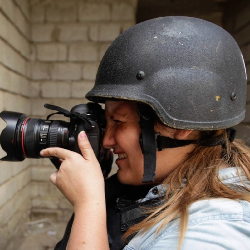 maria de la Guardia  is a photo and video journalist based in afghanistan covering conflict and disasters with a humanitarian focus.  READ FULL BIO HERE .  VIEW HER WORK HERE . MENTORSHIP BEAT: Afghanistan.