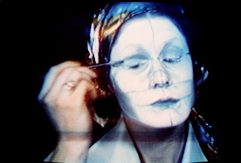 Suzy Lake, A Natural Way to Draw, 1975, colour video, sound, 15 minutes