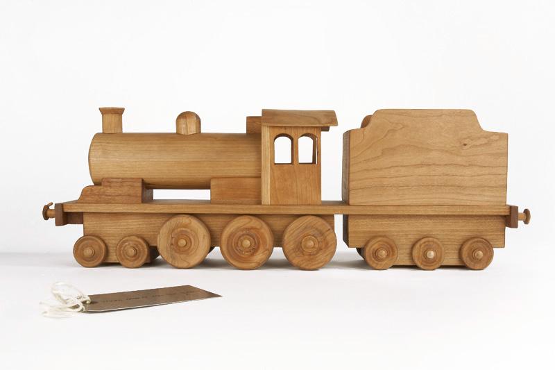 Cherrywood Locomotive with Metal Tag
