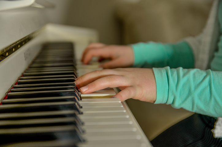 piano-3290798__480.jpg