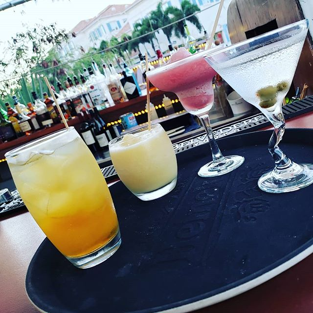 Frozen, shaken or on the rocks? #whatsyourpoison #cocktailnight #cocktailhour #cocktails #martini #margarita #pinacolada #punch #boatbar #providencialesturksandcaicos #followustotci #provo #yummy #deliciousdrinks #cantgetenough #thirsty
