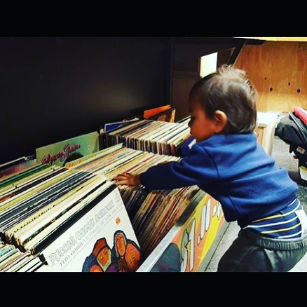 They're never too young to start digging. #CrateDigging #Vinyl #UsedVinyl