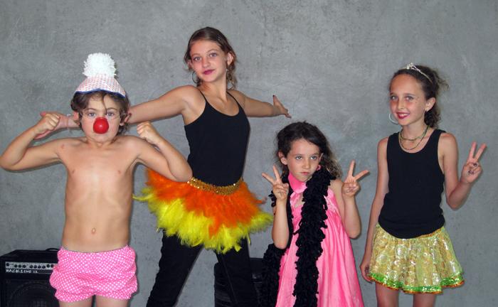 La Petit Circus-isabelle-hugo-adrianna-nora-basement_adj01-small.jpg