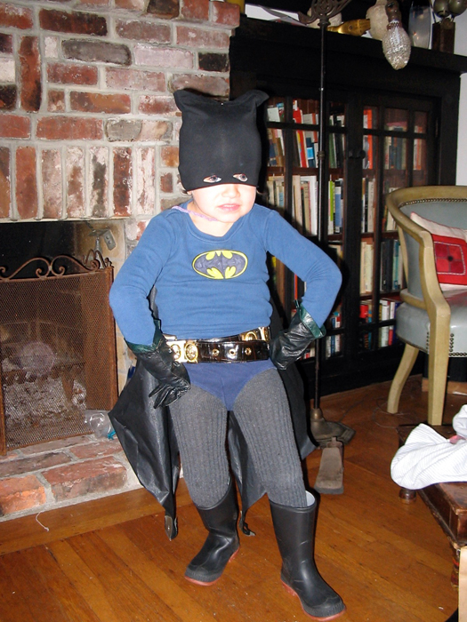 Hugo-Batman costume_adj01-sm.jpg