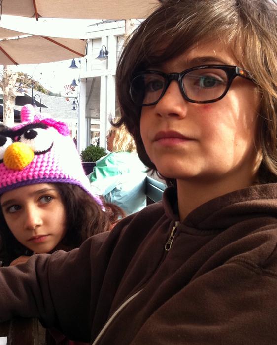Hugo, Nora-glasses, hat_adj01sm.jpg