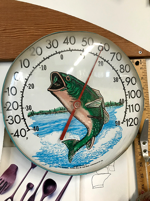 Bass Wall Thermometer_adj01-sm.jpg