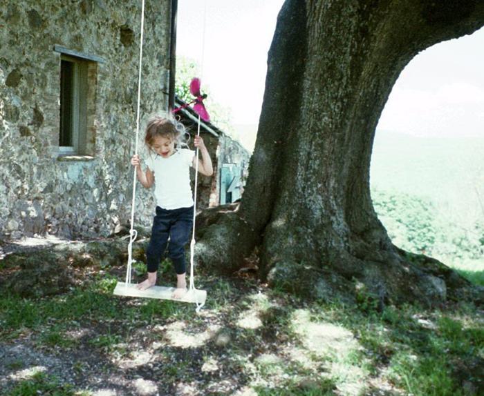 Isabelle-Italy-swing_adj01-sm.jpg