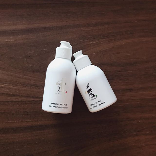 Cleansing is important! Keep your skin moist and healthy with SooNature 2 step enzyme cleansing powder [slightly acidic pH 5.5] ✨Made with natural botanical ingredients such as papain enzyme (papaya) and green tea. Daily cleansing without irritation! . 👉www.jo-ah.com👈 .