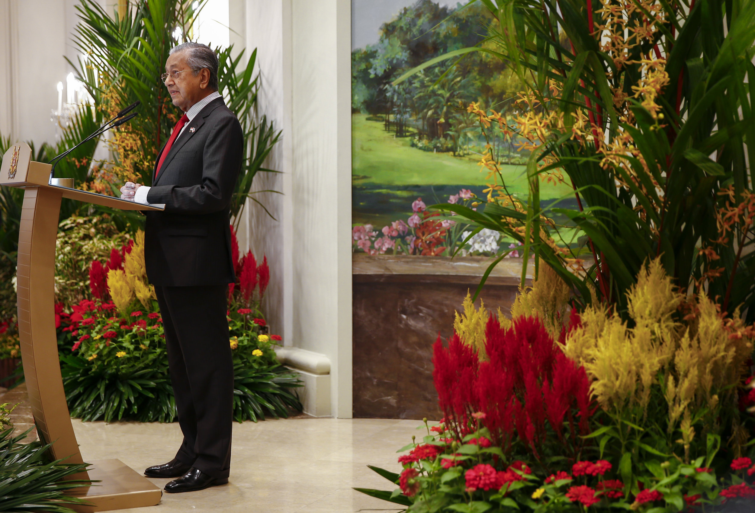 Malaysian Prime Minister Mahathir Mohamad delivers remarks during a visit to the Istana Presidential Palace in Singapore, November 12 2018.