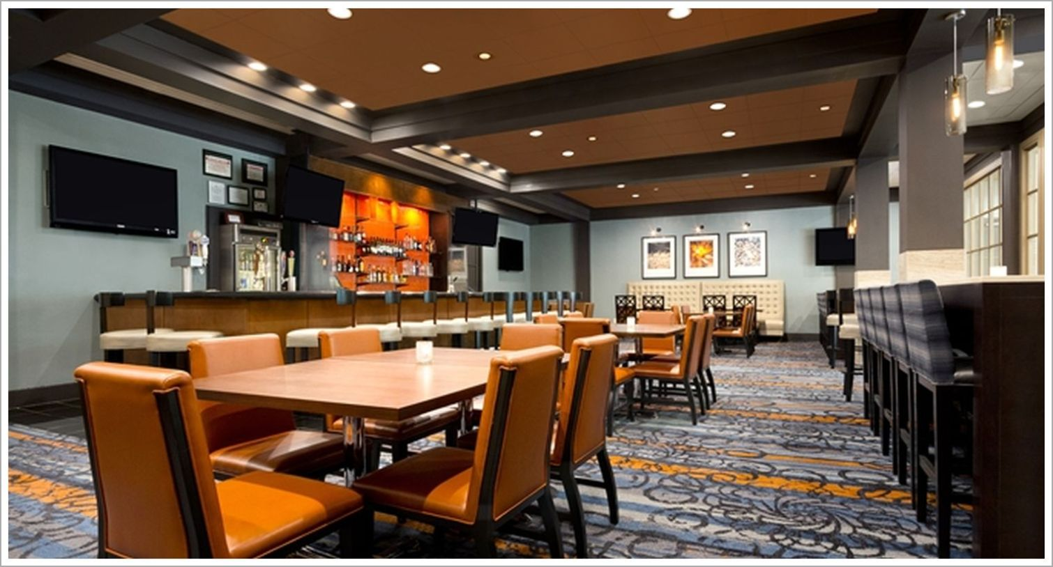 Custom Hotel Restaurant Seating