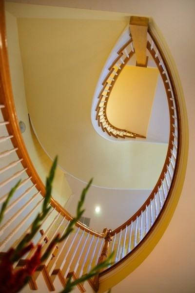15_4430SEmeraldAve_900001_Staircase_LowRes.jpg