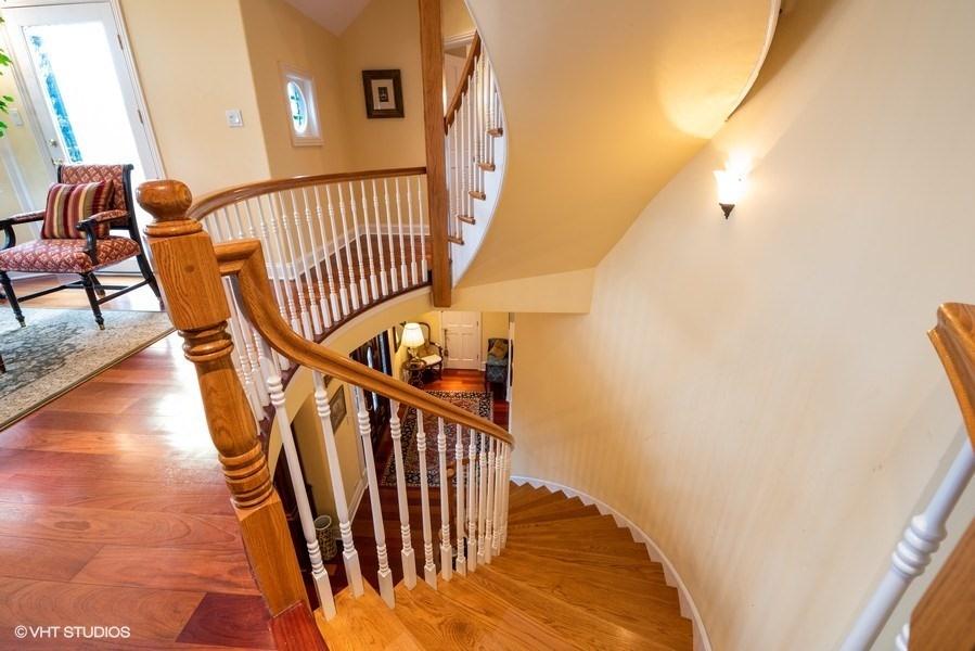 18_4430SEmeraldAve_68_Staircase_LowRes.jpg