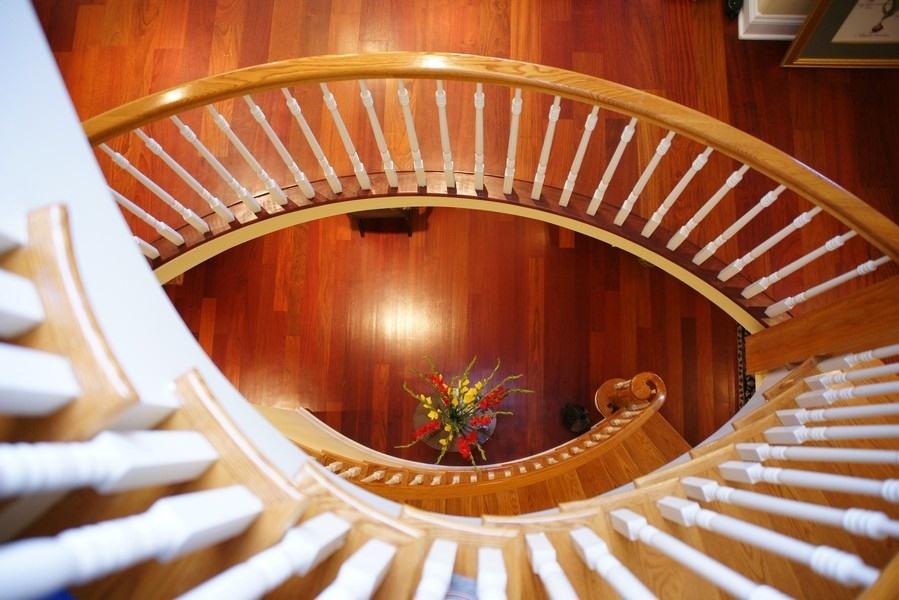 19_4430SEmeraldAve_900002_Staircase_LowRes.jpg