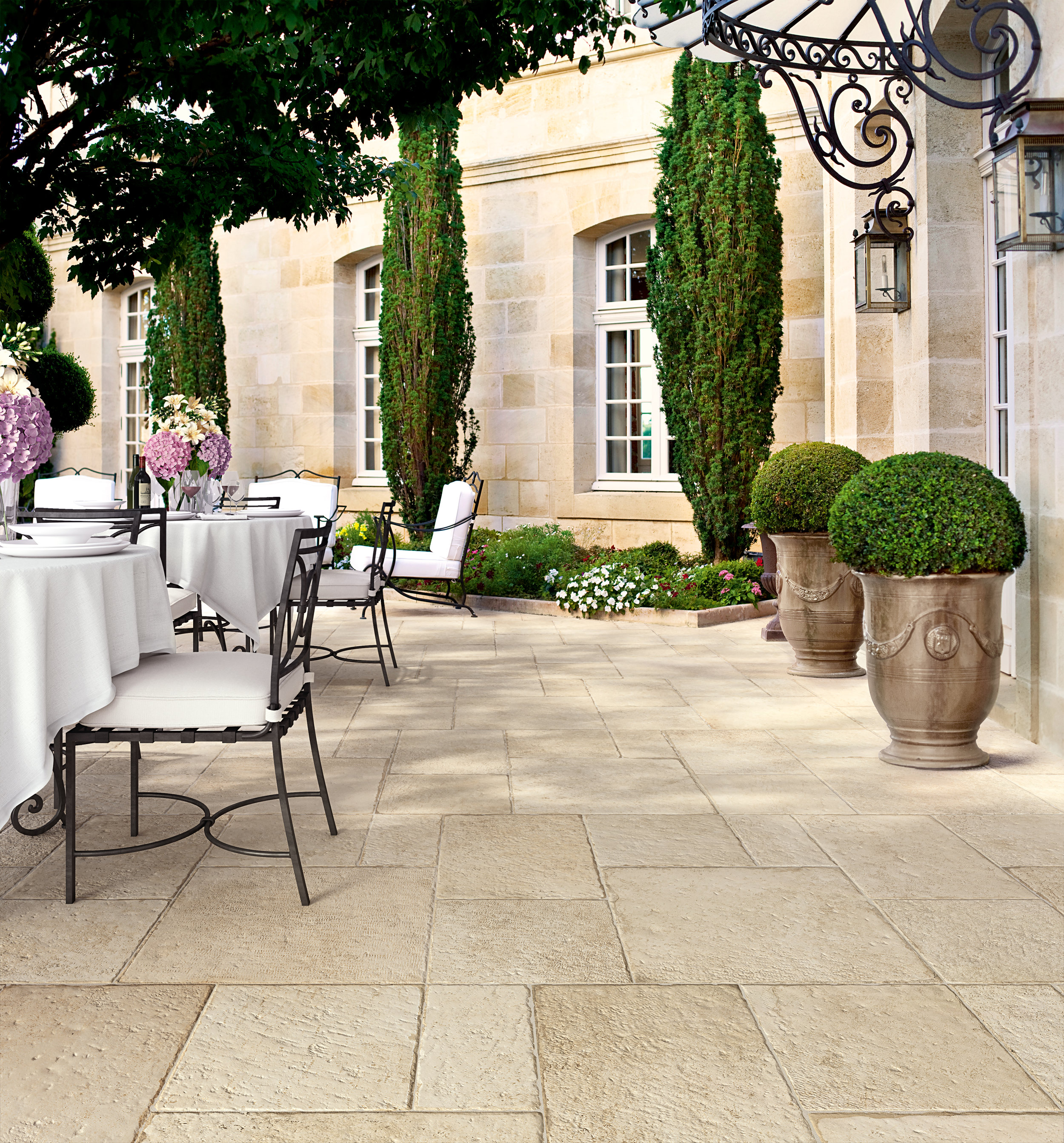 BLU-chateauroyal-amboise-naturale-10mm-outdoor-001.jpg