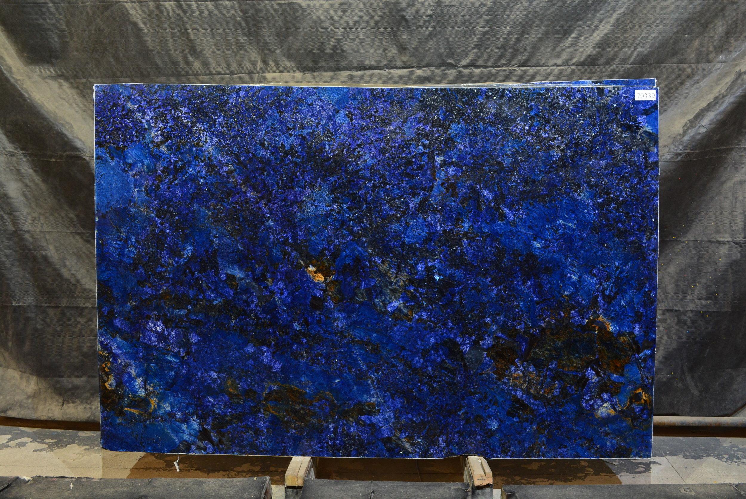 BLUE AGATA  70339.JPG