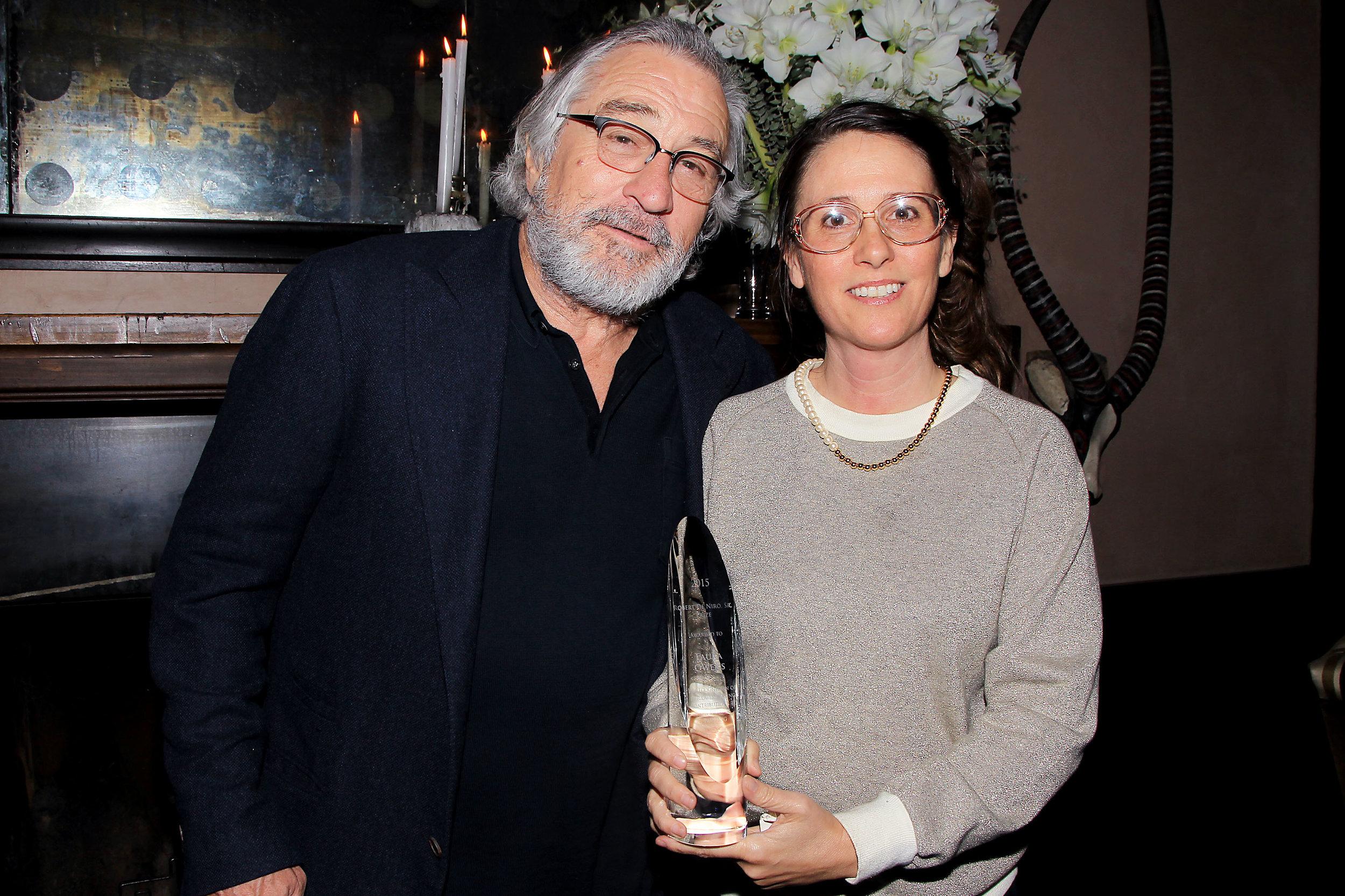 Robert De Niro presents artist Laura Owens with the 2015 Robert De Niro, Sr. prize.