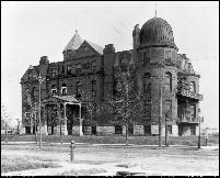 Northwestern Hospital, 1900.    Photos courtesy of the Minnesota Historical Society.