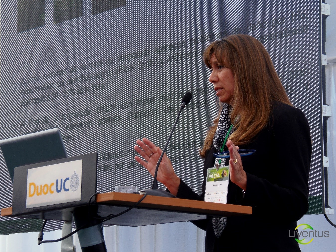 Caption: Claudia Mardones, General Manager of Liventus Global, during her presentation. She did an analysis of the different scenarios that the last season of Chilean avocado exports faced in international market.