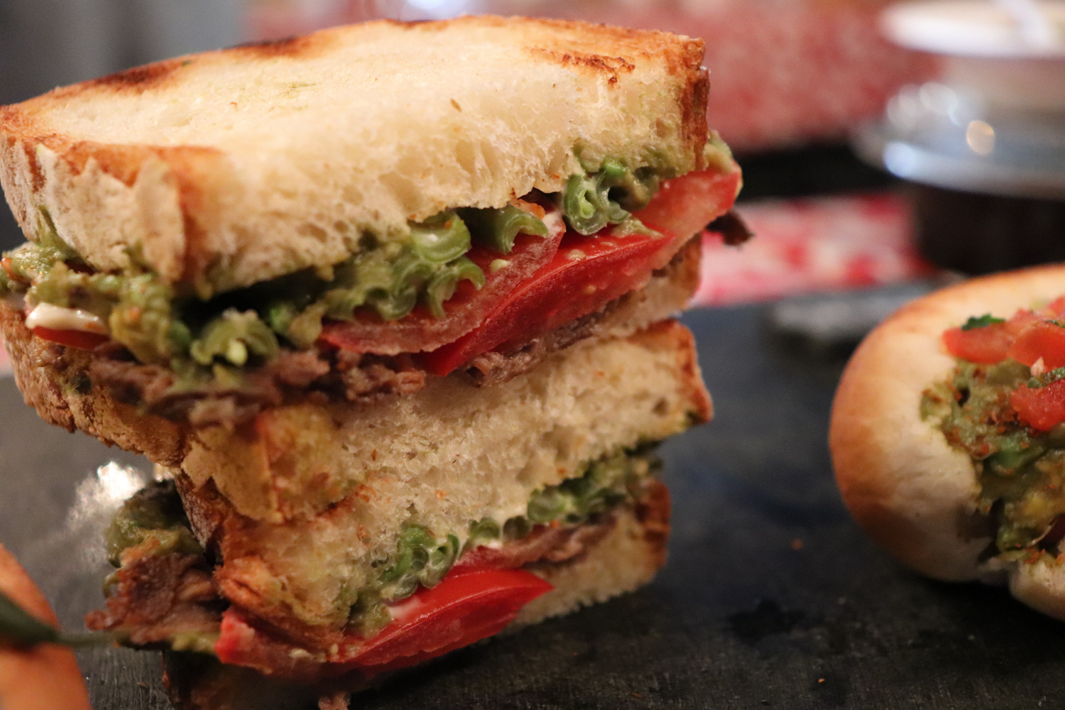 Sandwich-and-original-close-up-photo-II.png